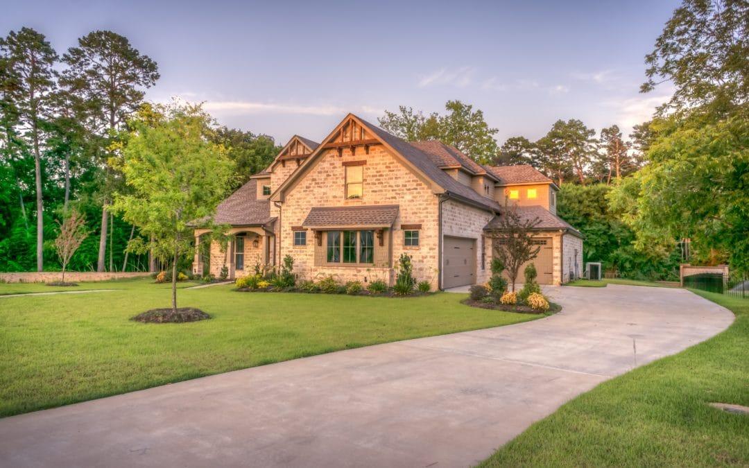 4 Benefits of Having an Updated Garage Door